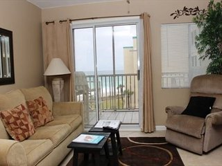 Plan your next family vacation here! Great view on the beach! 514