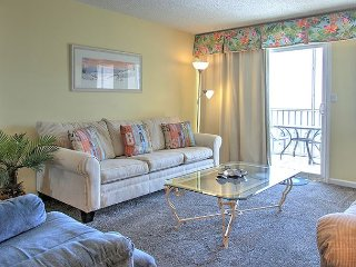 Beautiful Emerald Gulf Front 2 BR condo #420. Book 6 nights get the 7th free!
