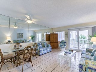 1 BR/1 BA Gulf-Front Condo - Book 6 nights, get the 7th night free!