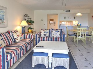 Spectacular Gulf Front 1 BR Condo #109 - Book 6 nights, get the 7th free!