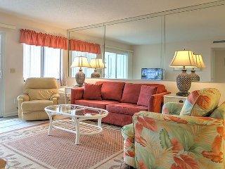 First floor stunning 2-bedroom condo - Unit 107