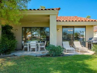 Water & Mountain Views! Upgraded Kitchen, Outdoor Grill & Golf Cart-Home in PGA