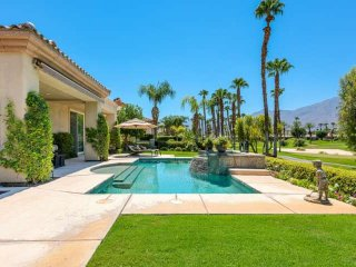 Beautiful Mnt Views! Private Pool, Cascading Spa & Wifi - PGA West Home on Nick