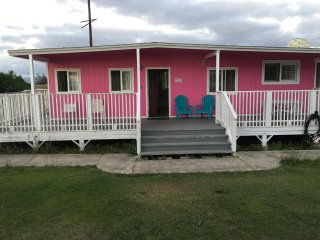 'Ohai Beach Cottage/1 BEDROOM (PINK COTTAGE) at Owen's Retreat