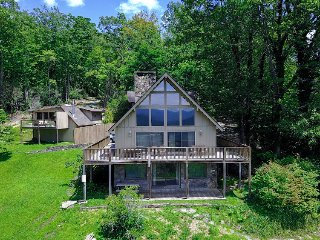 'Point of View' Brevard Home w/Great Views & Deck!