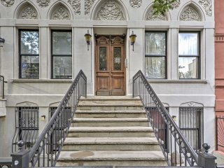 NEW! 1BR NYC Apartment - Walk to Central Park!