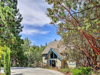 Lake Arrowhead House w/ Spacious Deck & Mtn Views!