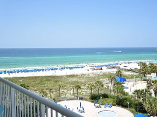 607 Destin West Gulfside ~Free Beach Service! ~Luxury Unit!