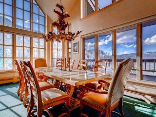 Luxury Ski-in 3 Br Penthouse Inside Pines Lodge, Sleeps 10! ~ RA134188