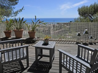 Appartement-Villa de 80m2 avec jardin vue mer Féerique
