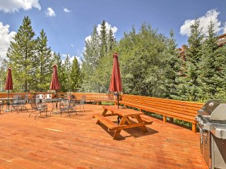 Sit out with a cocktail and enjoy unbeatable views of the forest and rolling mountains!