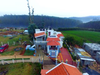 RainBreeze Cottage, 3 BR Villa, 1 Km form  Ooty Lake and Boat House.