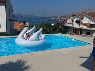 Apartments Villa Goja-Family 2 adults+2kids-Quiet Location-Swimming Pool