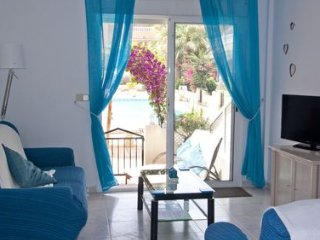 Ground Floor, Pool Facing, 2 Bed 2 Bath Apartment, Wifi & Air Con, Los Alcazares