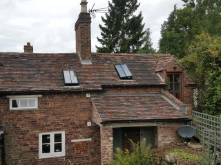 17th Century 2 Bed Cottage near Ironbridge