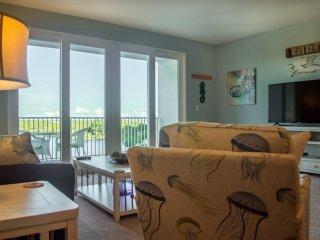 Make Default Image (Sets as Unit Default Thumbnail)  Beautiful living room with big screen TV