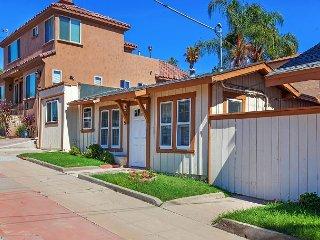 Sunny 2BR San Diego Harbor House – Sleeps 6