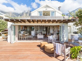 Bakoven Bungalow on the rocks close to Camps Bay