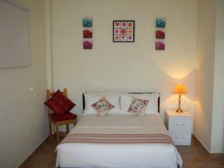Casa Dos Sonhos Apricot Studio Apartment