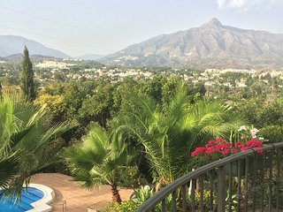 3 bed villa close to Puerto Banus and Golf - great for groups and families