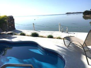 Ocean Pool Getaway-Fantastic view