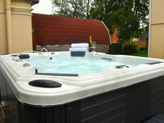 Who doesn't love a hot tub!
