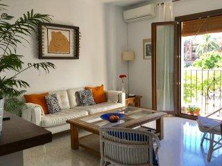 Córdoba piso céntrico, amplio y luminoso, con alquiler opcional de bicicletas.