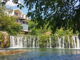 DALMATIAN WATERFALL HOUSE IN THE COUNTRYSIDE SPLIT