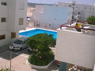 Piso en playa del Carmen para 6 personas con piscina y aparcamiento.