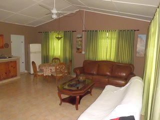 2BR 1 BA...apartment Wendy at Villa Morales
