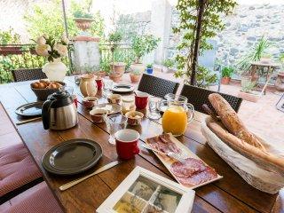 Grande suite familiale Olivier, patio privé, cuisine