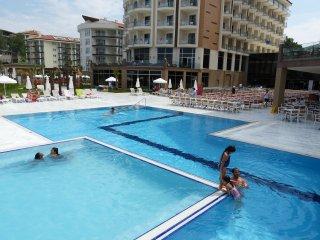 Privates Luxusapartment, direkter Meerblick, Ramada Resort Kusadasi, AI optional