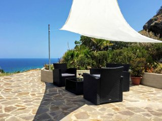 Exclusive villa with sea view in Castelsardo - Lu Bagnu