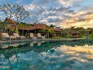 Villa Madoe Sumberkima Hill Retreat