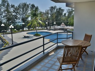 Royal Rayong lovely apartment front beach