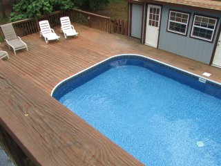 Lazy Days Rental Home-Close to everything-Pool
