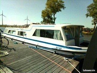 Appartement flottant sur bateau insolite romantique terrasse