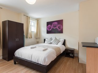*REDUCED* South London Studio | 20 Mins From London Bridge | Zone 6