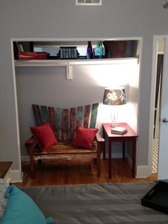 Reading nook in the Teal room.