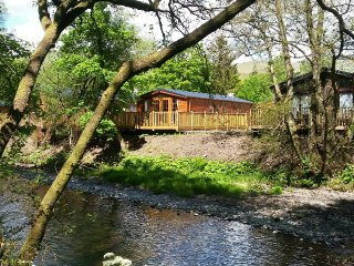 Scottish Riverside Lodge - Sleeps 4