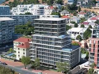 Cape Town luxury apartment - greatest location.