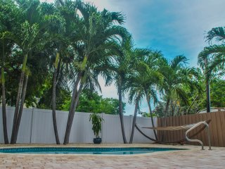 Marathon Vacation Rental - Beautiful Private Home, Pool, Billiard Table
