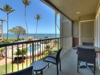 Surf's Up! Super View+Kitchen Perks, Lanai, AC, WiFi, Comfy Den–Kauai Kailani