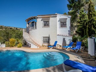 Lotte - holiday home with private swimming pool in Benissa
