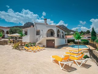 Laura-28A - traditionally furnished detached villa with peaceful surroundings in