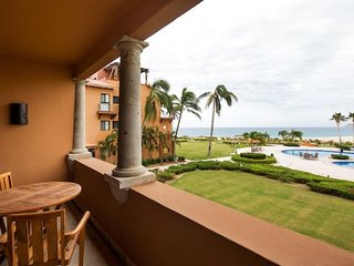 Beautiful Cabo Beachfront 1 Bedroom/1 Bathroom Condo
