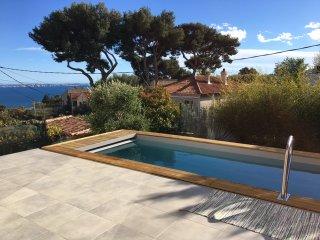 Villa 4 chambres, piscine, tres belle vue mer et Jardin