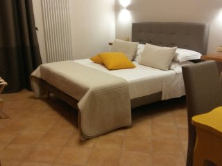 A DUE PASSI Temporary Apartment
