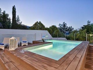 Amazing 4-bedroom 4-bathroom Villa Blu