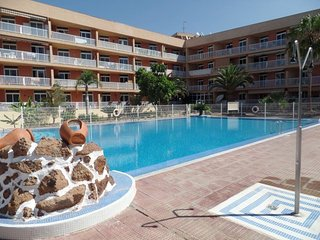 PLA| 2 Bedroom Apartment. Communal gated pool. WiFi. Playa Paraiso.
